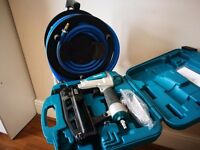 Makita 16-gauge Pneumatic Brad Nailer and Metabo 20m air hose (collection only)