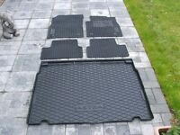 Genuine Vauxhall Rubber floor Mat Set for Vauxhall Astra 2013 model & Boot cargo mat as new