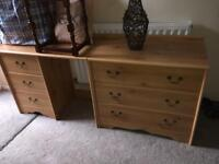 Draw and dressing table set
