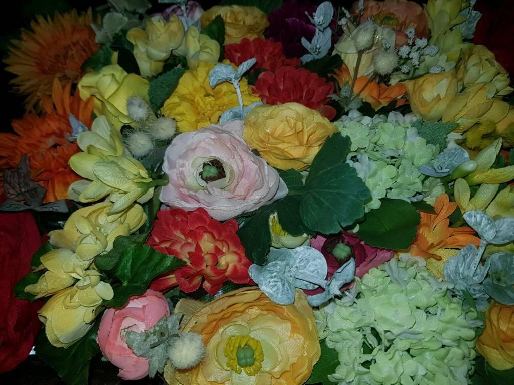 Two Beautiful Artificial Flowers Vase In Putney London Gumtree