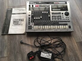 Roland MC-808 Sampling Groovebox/Synthesizer