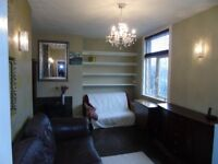 Beautiful 2 bedroom 2 bathroom 100m2 garden flat with summer house - 10 mins central London