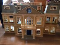 Sylvanian Grand Hotel with furniture and Figures