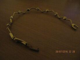 gold plated zig zag pattern bangle