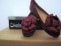Kelsi Faux Suede Shoes with satin bow - size 4