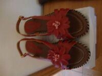 Beautiful Lotus Sandals Size 5 Brand New