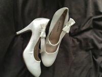 size 6 new cream/ivory satin shoes ideal wedding/prom