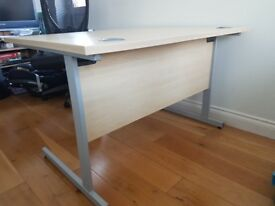 Office desk commercial grade / Very Good Condition