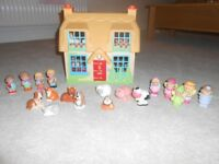 ELC Happy Family House and extras