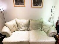 Cosy and stylish sofa set