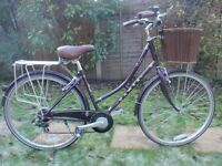 LADIES DAWES DUCHESS 7 SPEED ROADSTER/TOWN BIKE WITH BASKET REAR CARRIER AND LIGHTS NEW CONDITION.