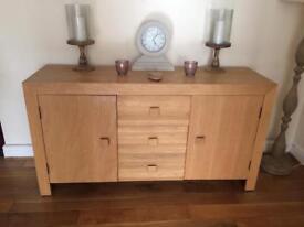 Sideboard oak and oak vaneer