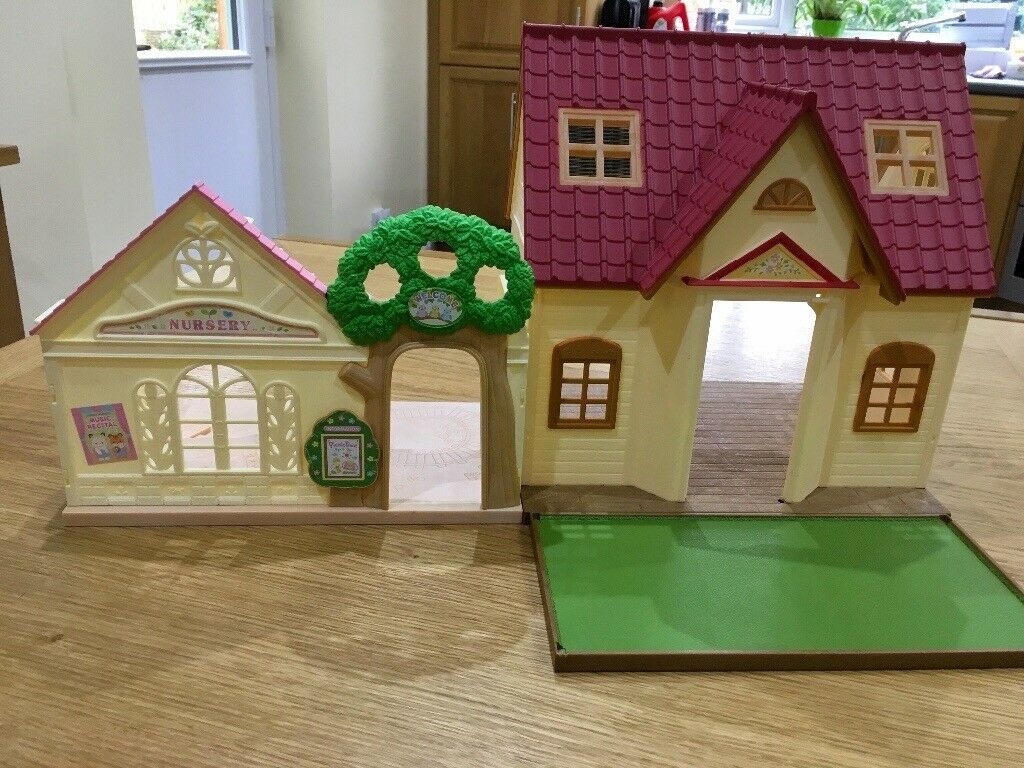 Sylvanian Families Forest Nursery and Cosy Cottage