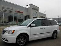 2014 Chrysler Town & Country Touring LOADED Leather Nav Dual DVD