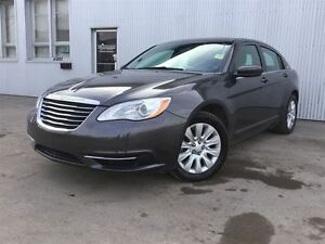 2014 Chrysler 200 LX  HEATED EXTERIOR MIRROR, REMOTE START.