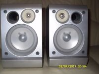 JVC JAPAN BOOKSHELF SPEAKERS