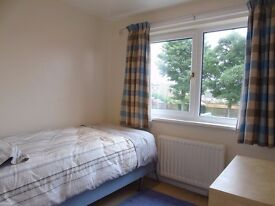 2 Bedroom Upper Floor flat. £475 pcm incl water. Newly refurbished