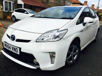 TOYOTA PRIUS 64 REG 2014 PEARL WHITE COLOUR UK CAR NOT IMPORT FULL HISTORY NOT 2012 OR 2013 MERCEDES