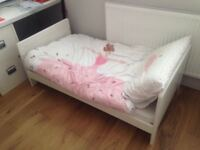 Cot bed - immaculate condition from Mamas and Papas