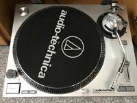 Audio Technica AT-LP120-USB Professional DD Turntable
