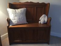 Solid wood settle