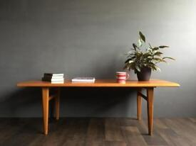 Large Teak Coffee Table, retro, mid century. Delivery possible.