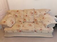 3 seater and 2 chairs settee sofa