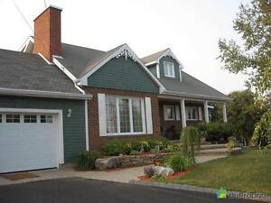 299 000$ - Maison à un étage et demi à vendre à Matane