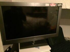 "Bush BLCD32H8 32"" HD TV"