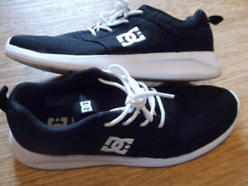 DC Trainers Rosche Style. UK 6