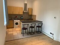 Bright two bedroom ground floor flat available NOW in Dalry, £750 per month