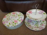 New Boxed Portmeirion Porcelain Garden by Sanderson 2 Tier Cake Stand ideal wedding gift present