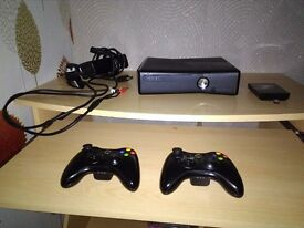 Xbox 360 + 2 Controllers + Hard Drive + 31 Games