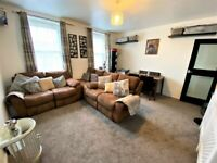 Immaculate condition 1 bedroom Purpose built Maisonette in Surrey Quays--No DSS please