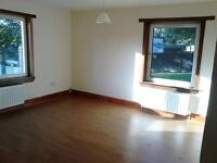 2 bed unfurnished flat to let in Nobleston, Alexandria. DSS Considered
