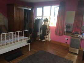 Southgate, N14 2 rooms to let - studio with own bathroom and double room