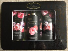 Baylis & Harding Gift set in presentation tin NEW