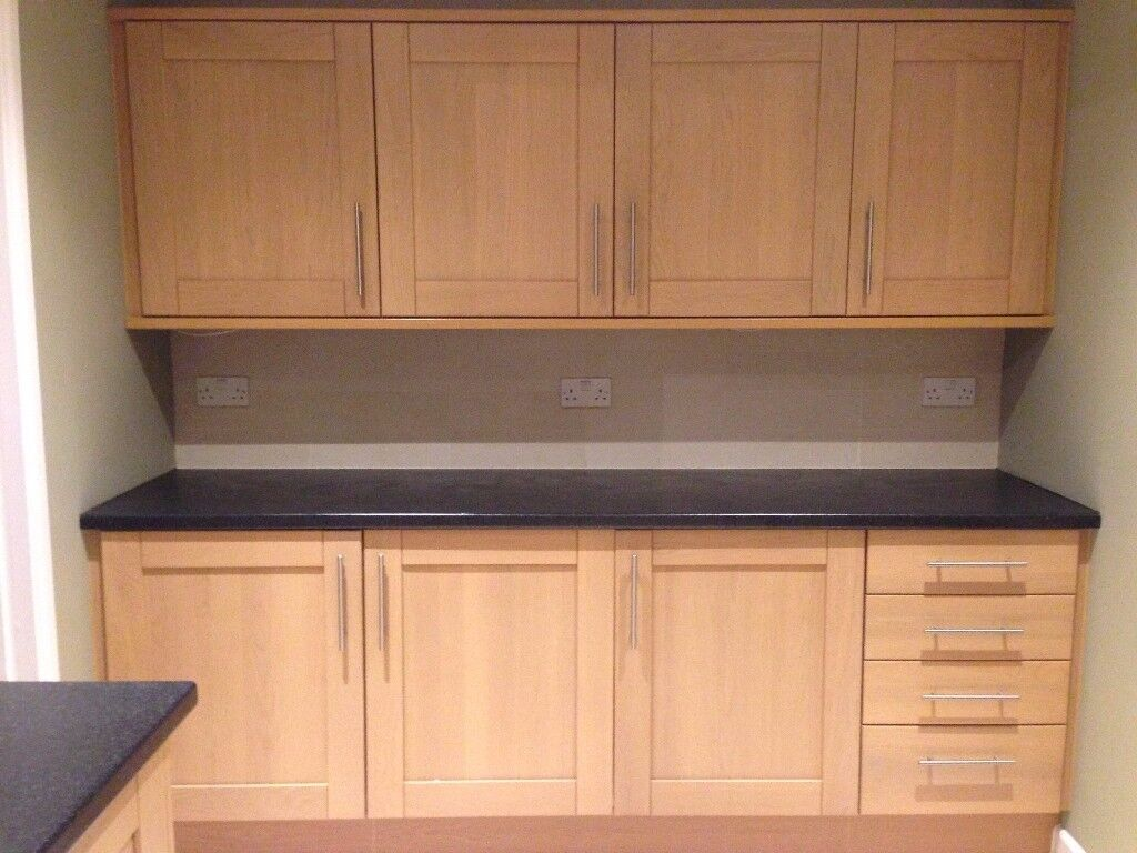 Shaker Style Kitchen Including 5 Built-in Appliances and Sink