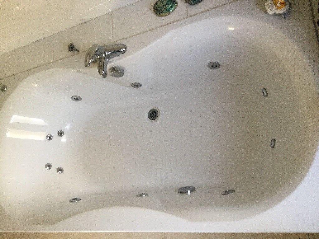 Whirlpool spa jet double ended jacuzzi bath | in Godstone, Surrey ...