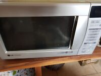 LG combination Microwave with oven and grill 1000 power good working order