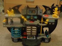 Fisherprice Batman Cave Set