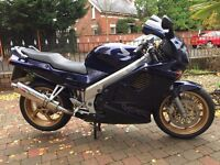 1997 HONDA VFR750F SPOTLESS CONDITION CANT FIND ANY MARKS LONG MOT,EXTRAS £1499