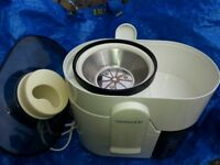 KENWOOD ELECTRIC JUICER,CREATES DELICIOUS FRESH HEALTHY JUICES,2 PULSE SPEED,CLEAN,VERY GD CONDITION