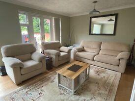 Beadle & Crome 3 piece sofa suite