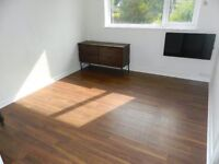 WATER INCLUSIVE UNFURNISHED 2 BEDROOM FIRST FLOOR FLAT AVAILABLE NOW WITH OFF STREET PARKING - CR2 !