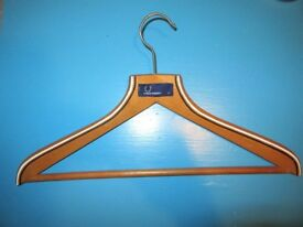 FRED PERRY TWIN TIPPED TIP COAT HANGER WHITEBLACK POLO SHIRT 80S CASUAL WOOD
