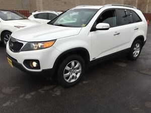 2012 Kia Sorento LX, Automatic, Heated Seats, AWD