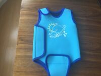 JOJO MAMAN BEBE Baby Wetsuit( Size 0-6 months ) in excellent condition (RRP £19)
