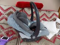 MAMMAS AND PAPPAS NEWBORN ONWARDS CAR SEAT NICE CONDITION
