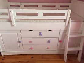 A lovely pieces of furniture for kids bedroom